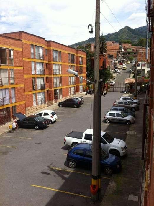 CÓDIGO 004:Hermoso <strong>apartamento</strong> Barrio Gratamira Con Parqueadero
