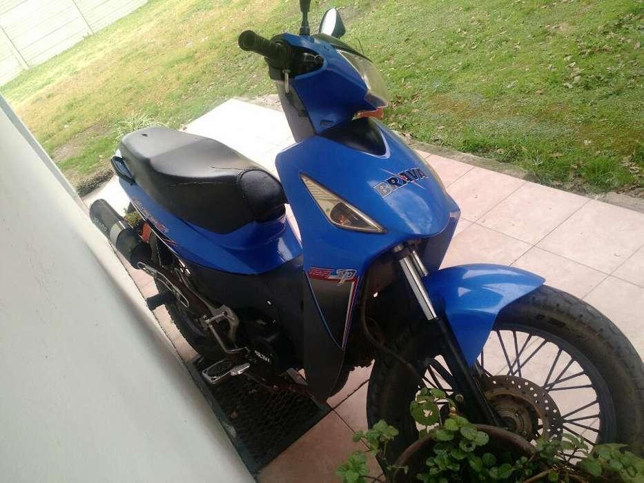 Moto Brava125