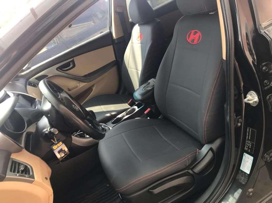 Hyundai Elantra 2012 - 125000 km