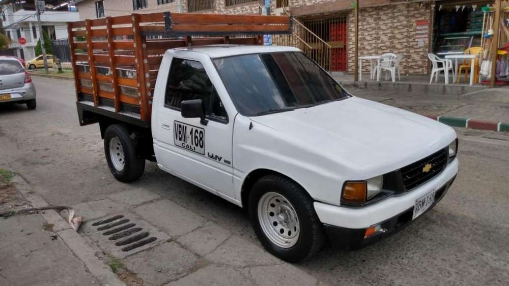 Chevrolet Luv 2300 1995 Publica Estacas
