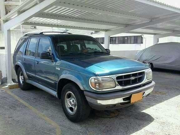 Ford Explorer 1999 - 252000 km