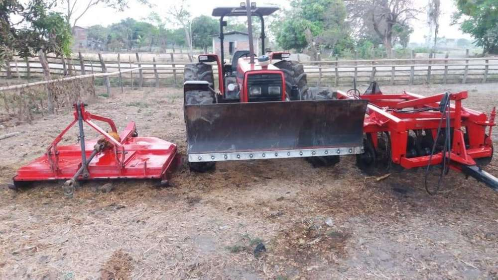 Tractor canguro MASSEY FERGUSO
