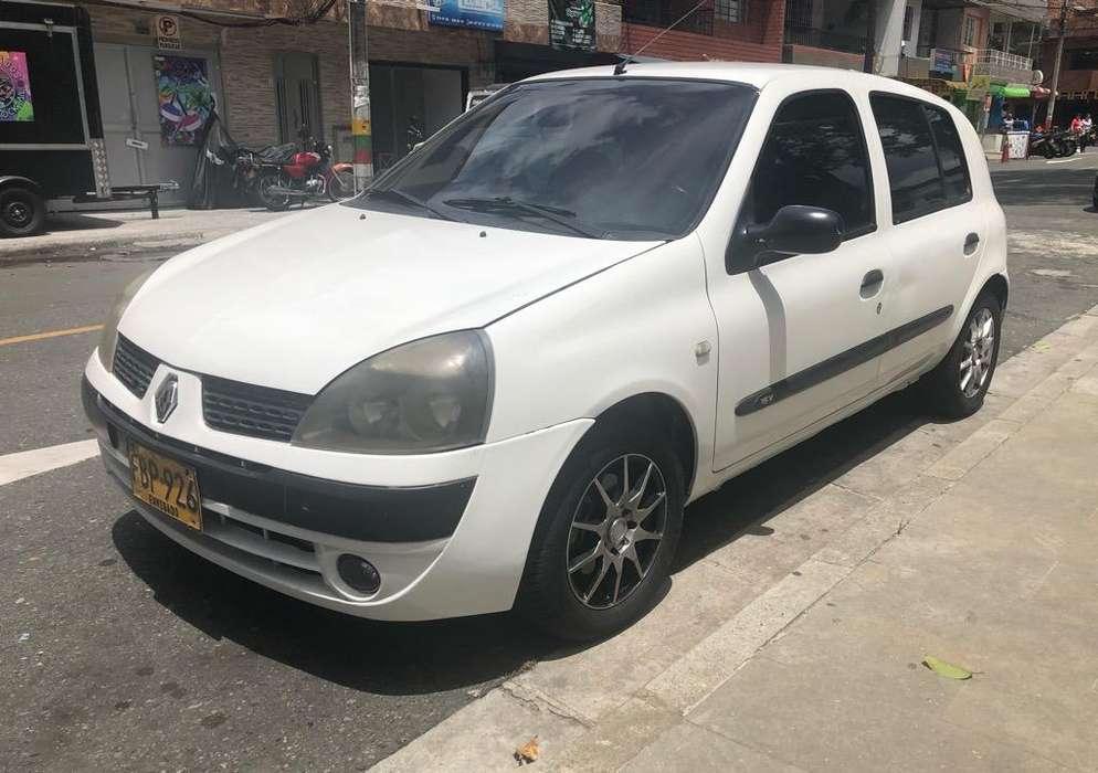 Renault Clio  2005 - 0 km