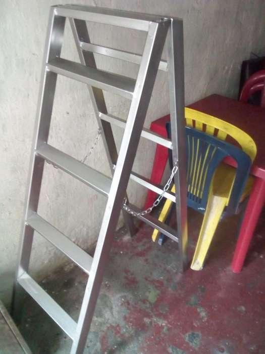 Vendo Escalera Metalica de Tijera