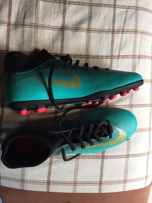 Pupos Nike