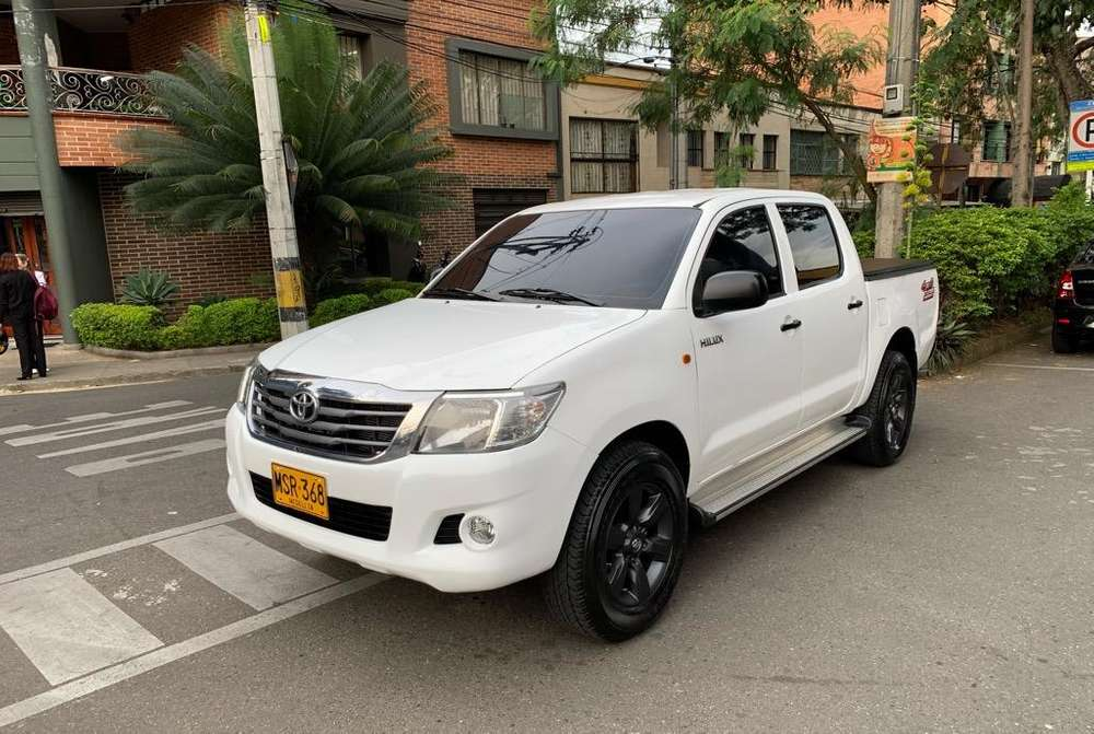 <strong>toyota</strong> Hilux 2013 - 156000 km