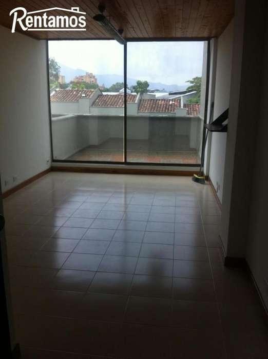 Oficina En Arriendo En Medellin Av El Poblado Cod. ABRPR1253