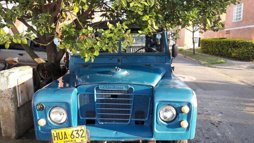 Land Rover Santana 1961 - 200000 km