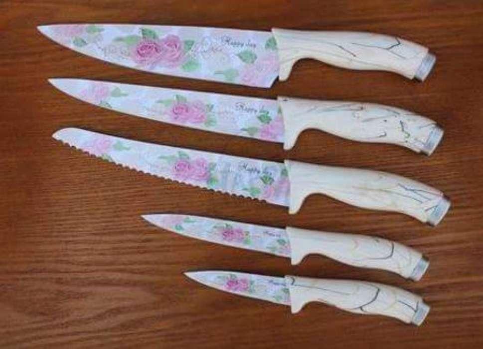Set de cuchillos x 5 unidades.