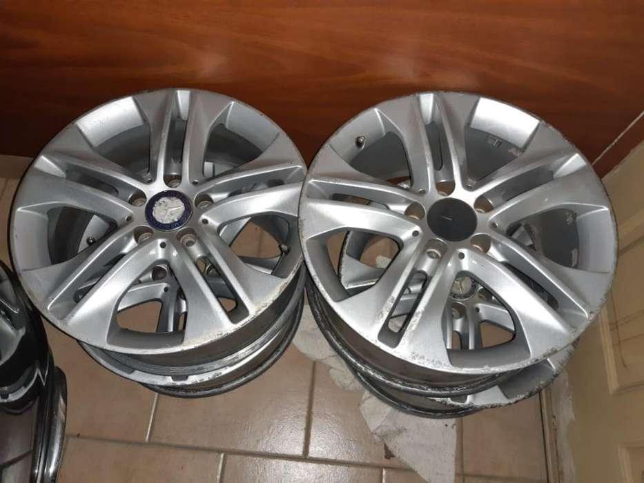 Vendo Llantas Mercedez Benz 17