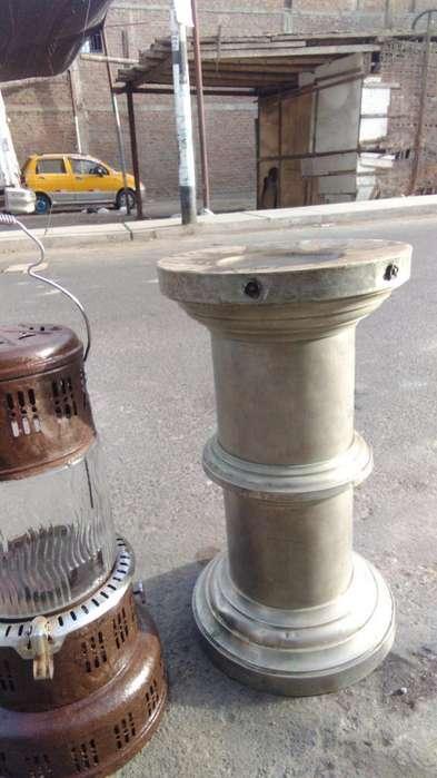 Antiguo Pedestal de Laton