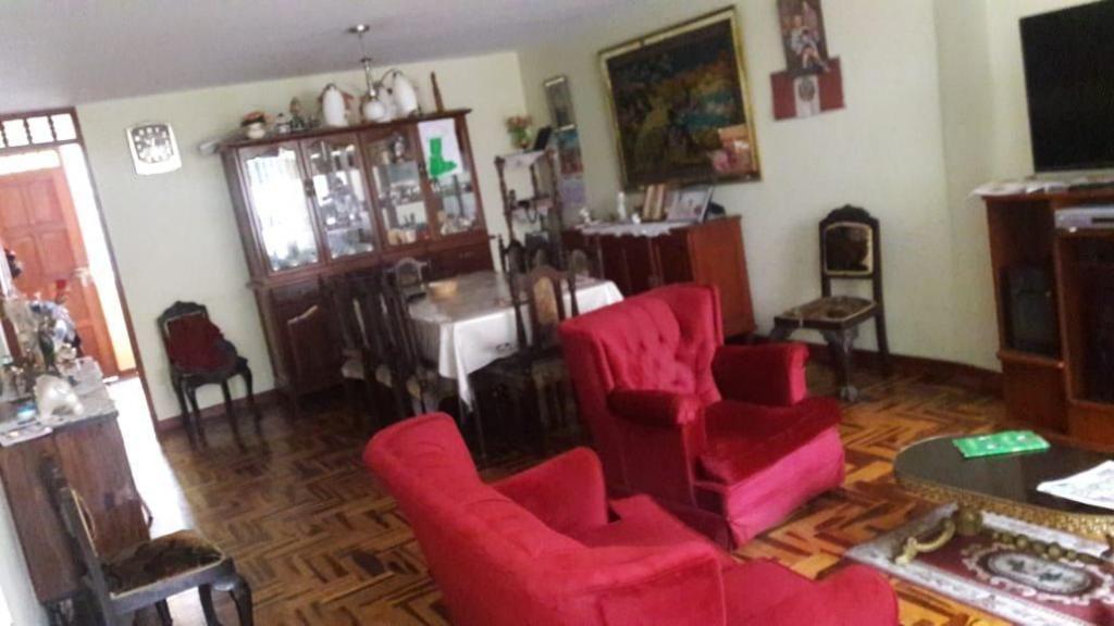 Venta de Casa en La Perla - 5 Dorm 4 Baños AC300.m2