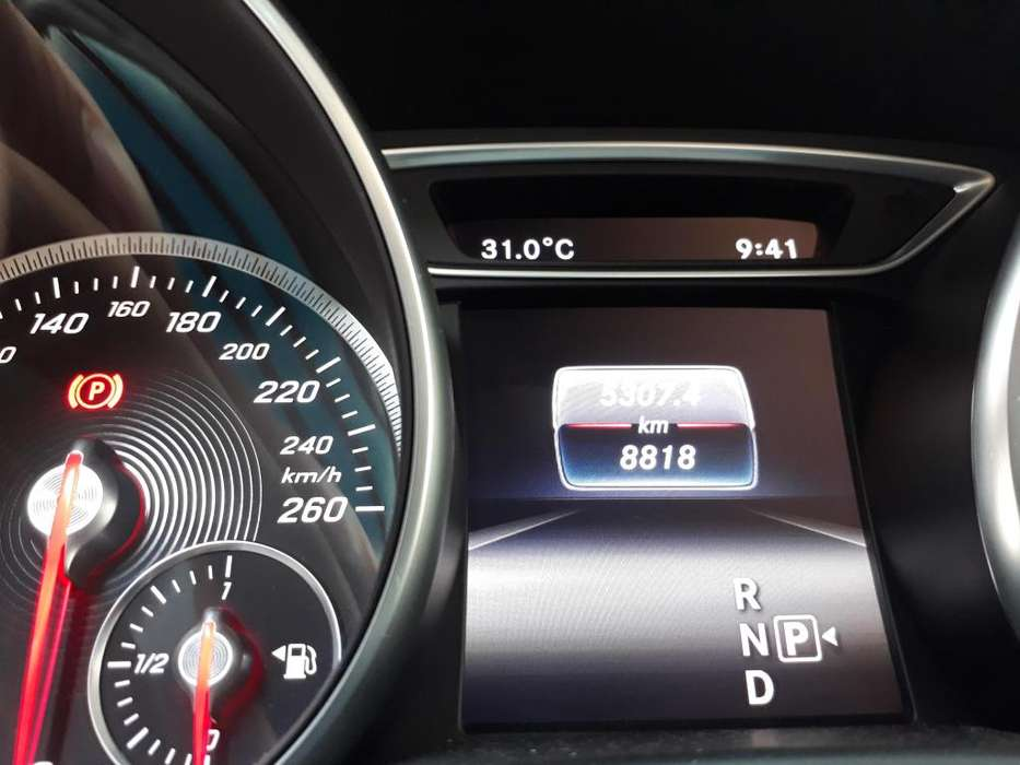 Mercedes-Benz C180 2017 - 0 km