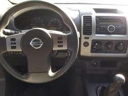 Nissan Frontier 4x4 LE CUERO 2013 PERMUTO o CONTADO!