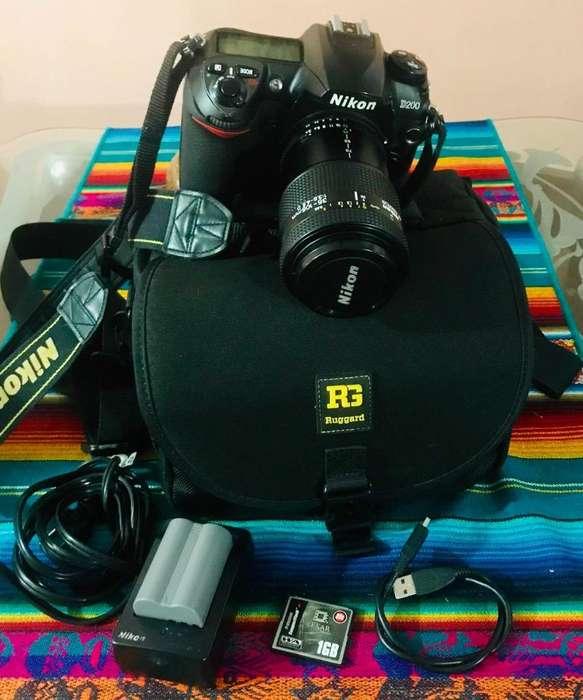 Cambio a celular Camara Nikon D200 con lente zoom 105mm
