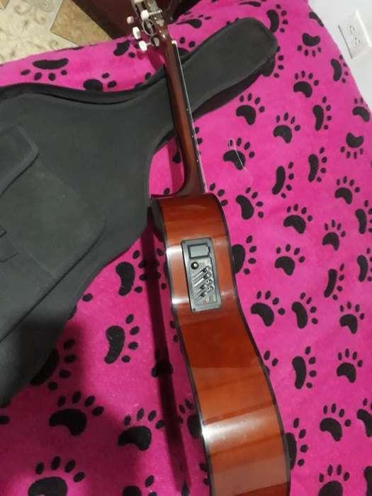 Guitarra Electroacústica Muy Bonita