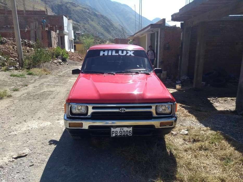 Toyota Hilux 1990 - 40000 km