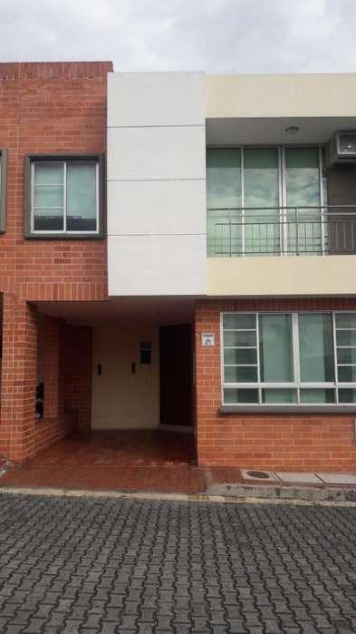 Vendo casa en el conjunto cerrado Torreon de Piedra Pintada con 106 metros cuadrados construidos, de 2 niveles