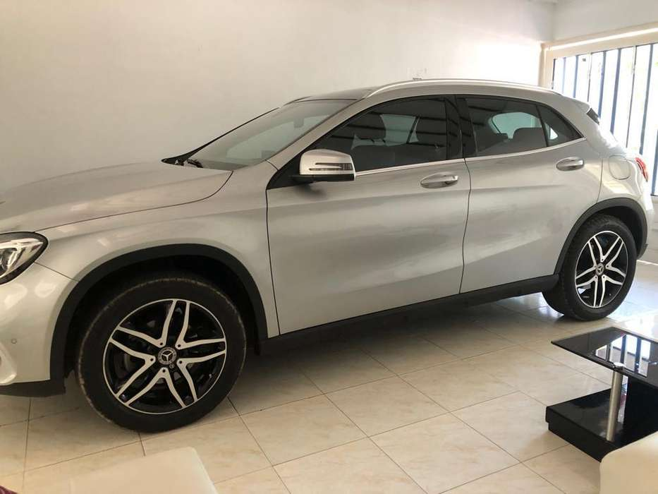 <strong>mercedes</strong>-Benz Clase GLA 2018 - 22000 km
