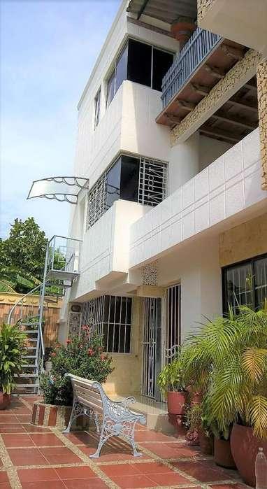Hermosa Casa en Crespo en Arriendo - 3 Habitaciones.