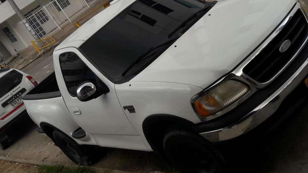 Ford F-150 2003 - 195000 km