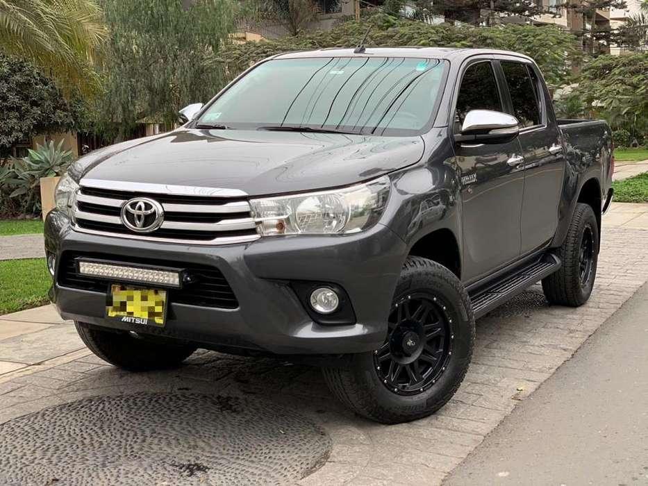 Toyota Hilux 2016 - 80000 km