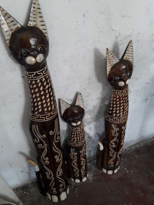 Familia de Gato de Madera
