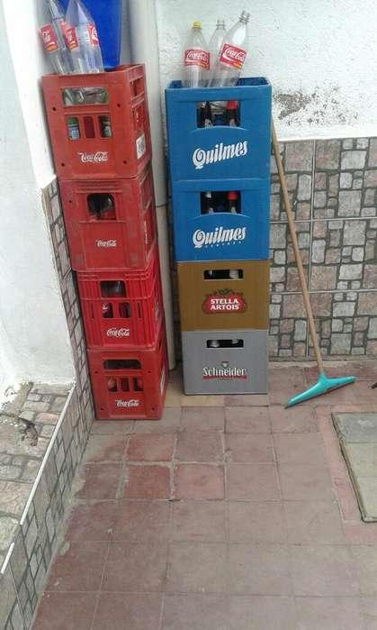 Vendo Cajones de Coca Y Cerveza Y Botell