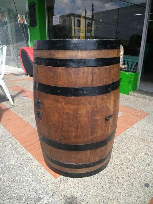 Barriles Bar Y Sillas de Bar