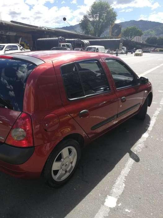Renault Clio  2011 - 76033 km