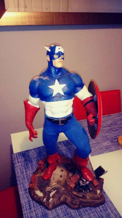 Estatua Capitan America de Coleccion
