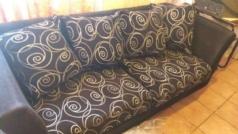 Vendo Sillon Sofa de 3 Cuerpos .