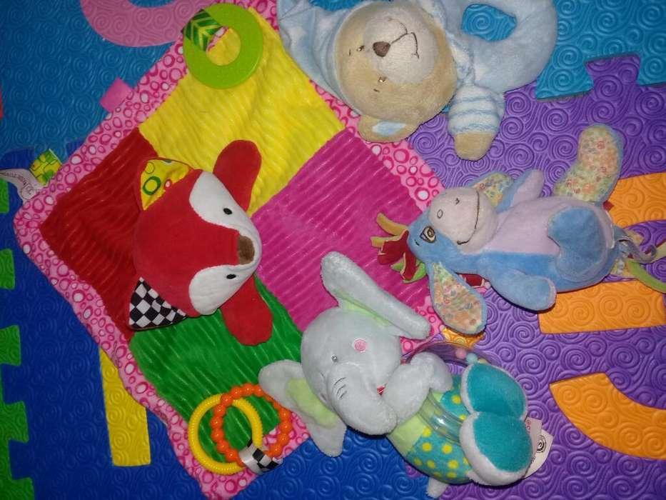 Lote de <strong>juguetes</strong> para Bebes