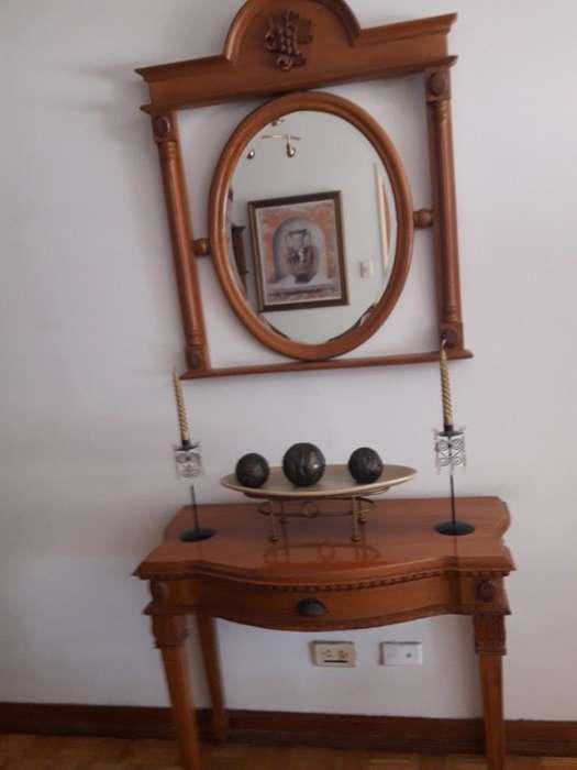 Dressoir con Espejo Madera Guindo .