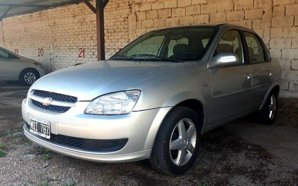 Chevrolet Classic 2013 - 70000 km