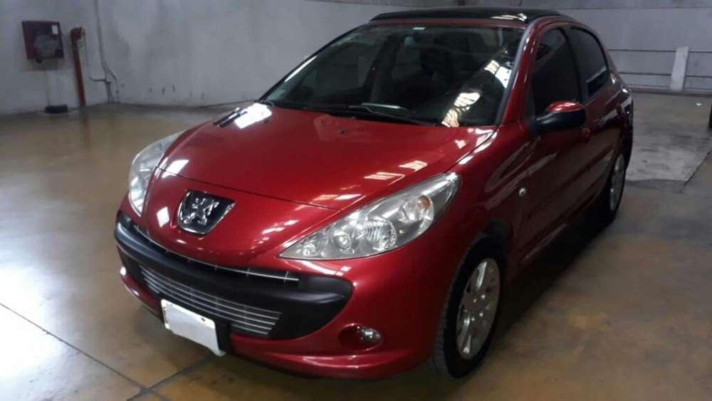 Peugeot 207 2010 - 90000 km