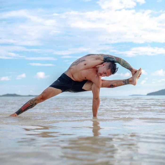 Clases de Yoga en La Plata Laura Villanueva