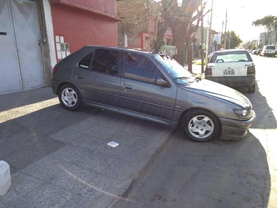Peugeot 306 2001 - 10000 km