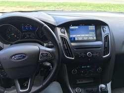 Ford Focus III 2.0 SE 5p L/16 2017 Entrega $207.000 y cuotas! Solo DNI