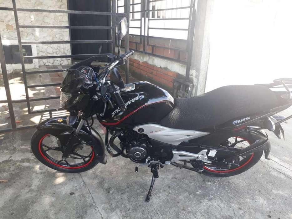 Vendo Moto Auteco Discovery 125 negra