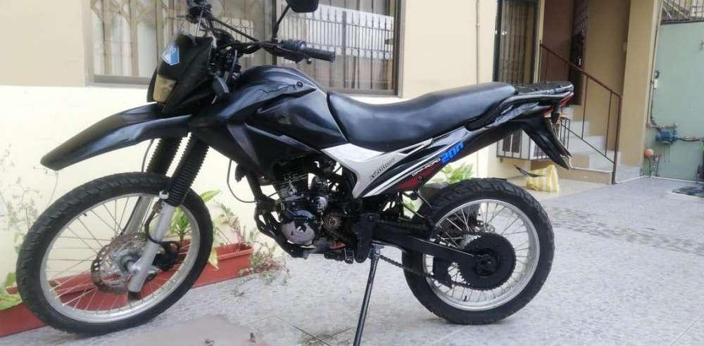 Vendo moto Shineray precio de oportunidad 750