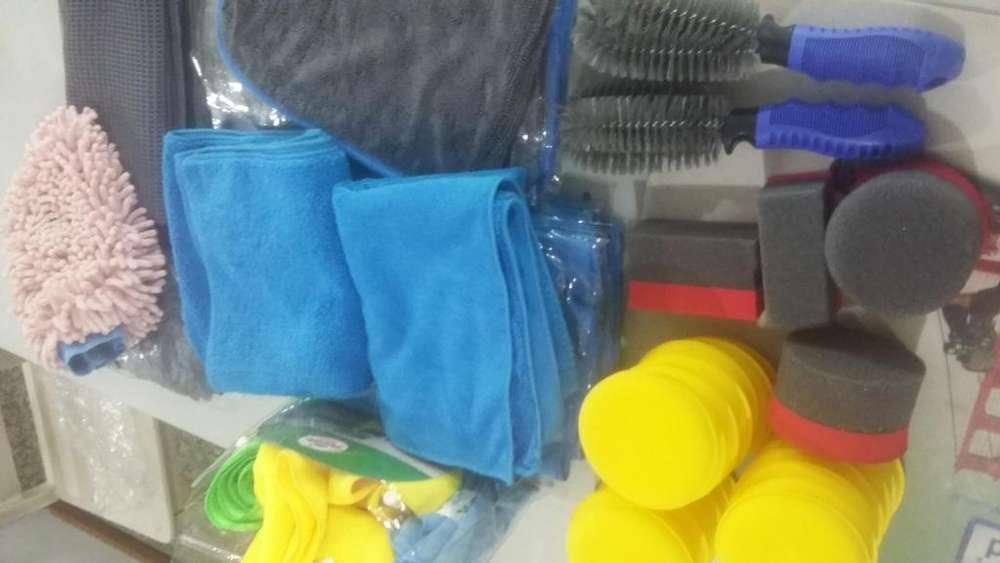 Paños de Microfibra - Guantes - Accesorios para cuidado automotor