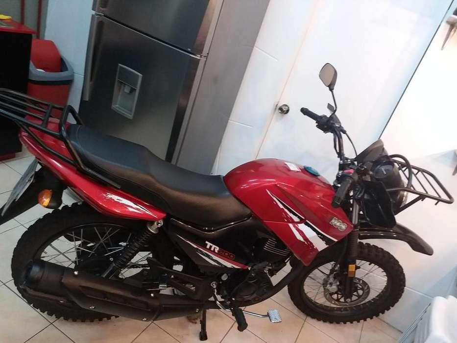 VENDO MOTO 200 c.c. CASI <strong>nueva</strong>