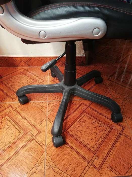 Se Vende Magnífico <strong>escritorio</strong> Y Silla
