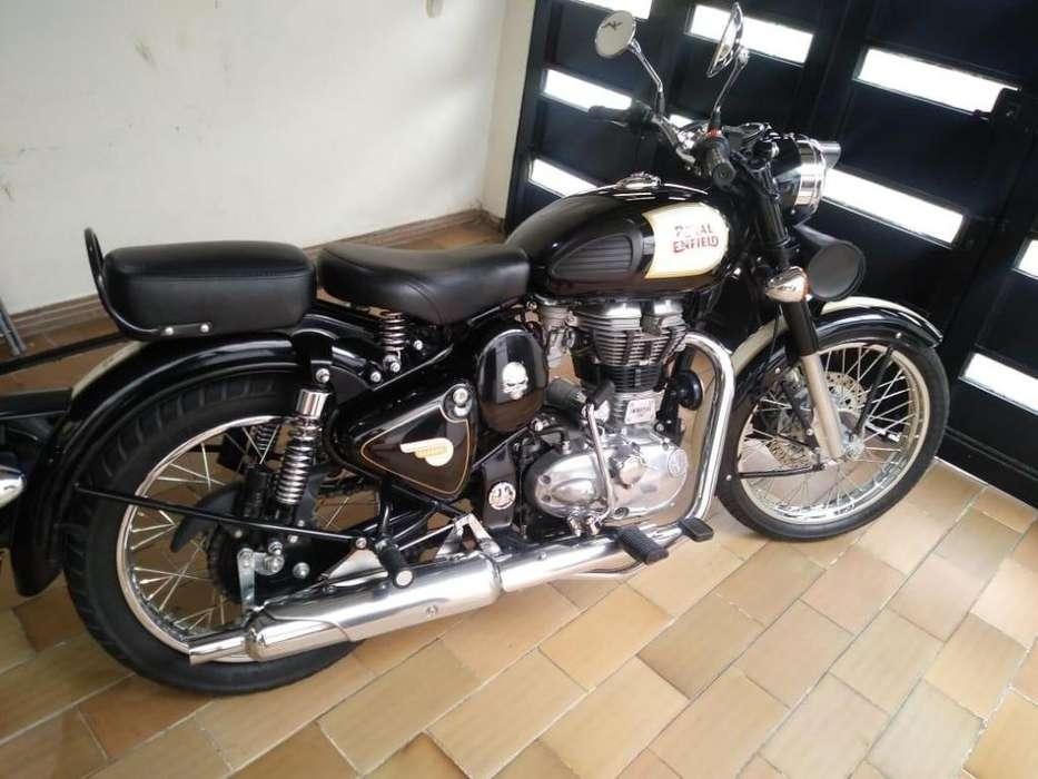 Moto Royal Enfield clasic