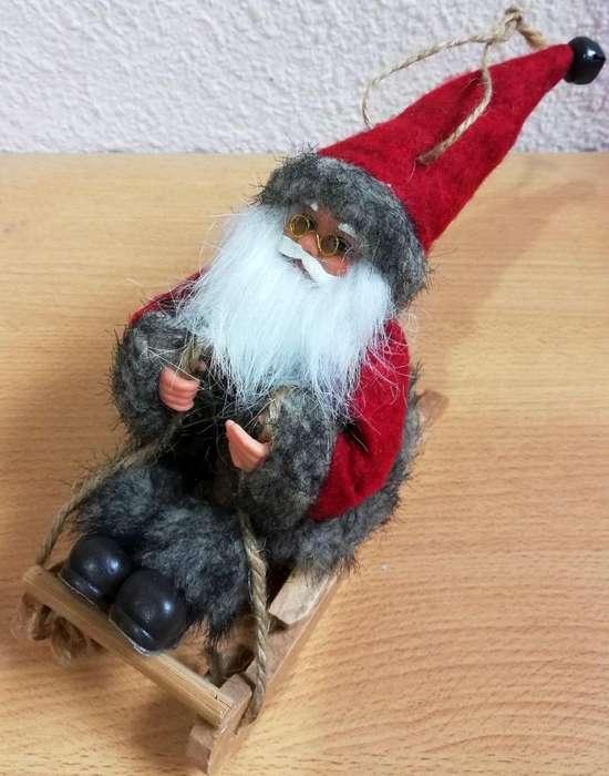 Antiguo Papa Noel en trineo muy detallado