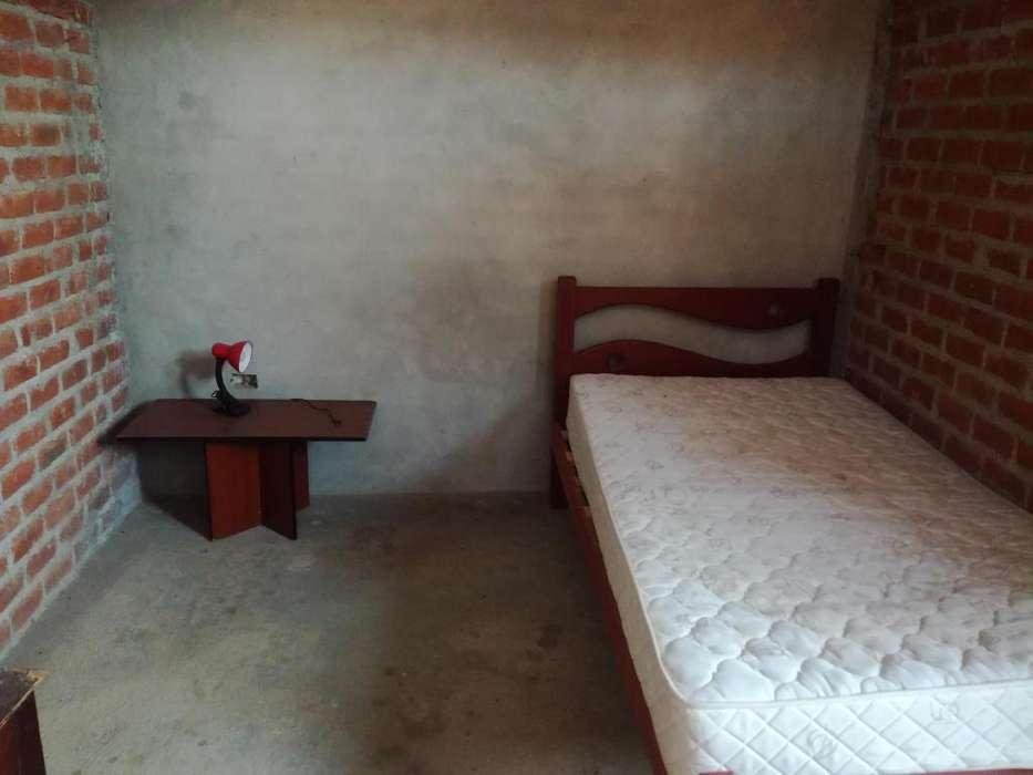 Alquiler cuarto con bao