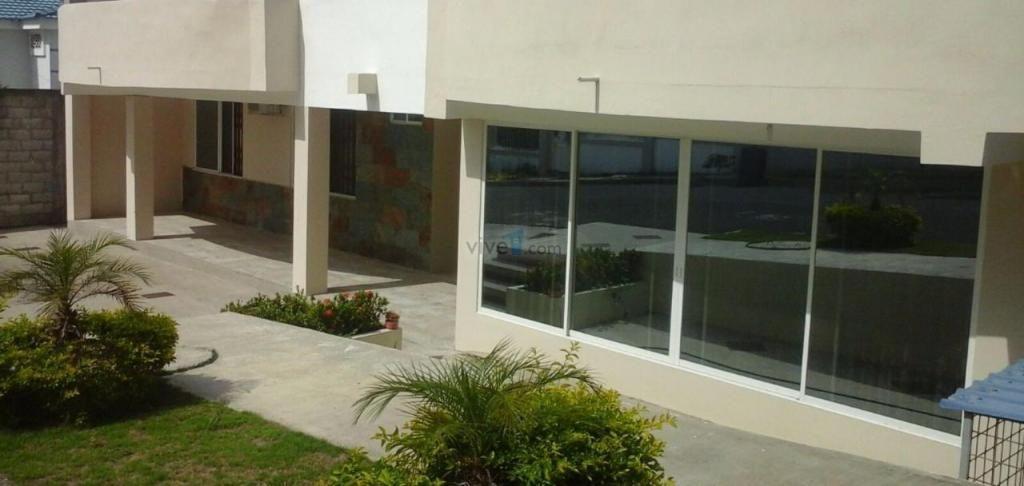 Departamento de lujo amoblado 80 m2, mejor sector de Manta, urbanización Lomas de Barbasquillo