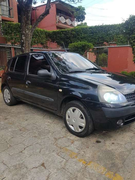 Renault Clio  2008 - 140000 km