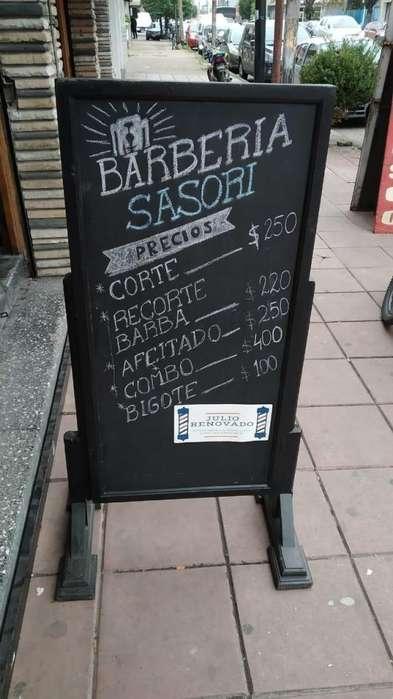 <strong>cartel</strong> para la calle de madera